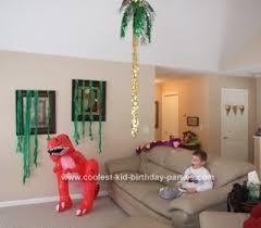 dinosaur party stuff