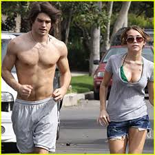 miley cyrus photos jogging