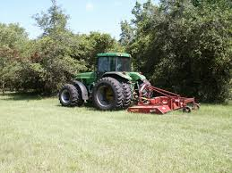 grass cutting tractor