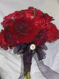 red flowers for weddings