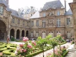 paris houses
