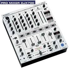 behringer 700 mixer