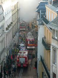 incendie-20-12-07-rue-beauvoisine.jpg
