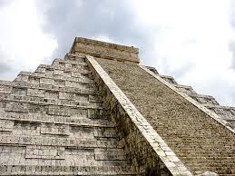 aztecs pyramids