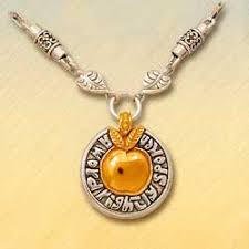 gold apple necklace