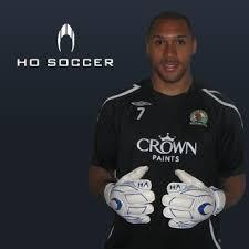 goalkeeper soccer gloves