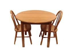round table and chair