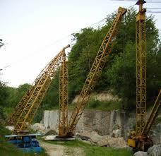 derrick cranes