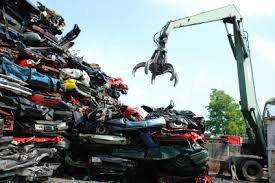 pictures of junk cars