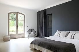 quelle couleur pour ma chambre une chambre d adulte en noir et blanc