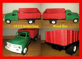 Red Wagon Antiques And Farm Toys John Deere 116th Scale Big Farm Truck With Cattle Trailer 1 64 Ford Louisville L9000 Grain Scratch Custom Toy Wyatts Toys Trailers Rockin H Trucks Tonka Classic Steel Stake Wwwkotulascom Free 1950s 2 Listings 1975 Chevy C65 Tag Axle And 20 Grain Body Snt Custom 0050 Blue Ih 4300 Pulling A Wilson Pup