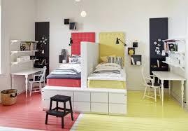 chambre d enfant com chambre d enfants créer deux espaces sous combles rêve de combles