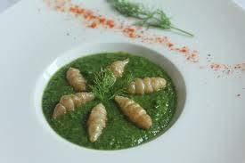 comment cuisiner des crosnes velouté d herbes aux crosnes chez requia cuisine et confidences