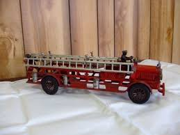 100 Tootsie Toy Fire Truck Higgenbotham Auctioneers Huge Two Day