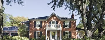 Transitional Lake Forest Home