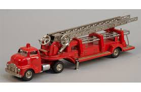 100 Metal Fire Truck Toy SFD Aerial Extension Ladder GMC Vintage S