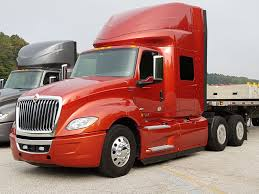 Driver-Centric: The International LT | Today's TruckingToday's Trucking