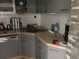 gut erhaltene gebrauchte graue hochglanz küche ohne deko