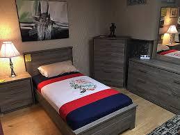 chambre bois massif contemporain meubles chambre à coucher contemporaine fresh meuble salon moderne