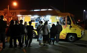 100 Grilled Cheese Food Truck Customers Line Up At The Food Truck In Glendale