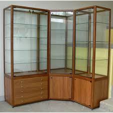 vitrine d exposition occasion vitrine grenat meuble vitrines pour magasin musée
