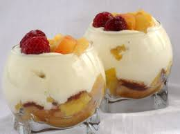 desserts facile et rapide recette trifle de pêches au muscat en verrines cuisinez trifle de