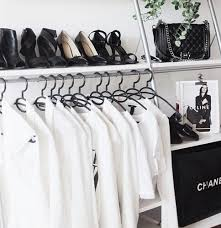 Small Walk In Closet Ideas That You Will Get Impressed 010