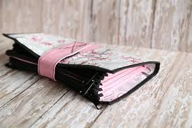amazon com cute pink and white oilcloth envelope system wallet