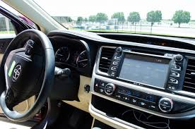 2013 Toyota Highlander Captains Chairs by 2014 Toyota Highlander Performance And Technology Motor Review