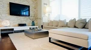 wohnzimmer wand mit naturstein bricks mauerstein und
