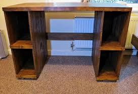 Diy Wood Computer Desk by Diy Pallet Computer Desk With Storage 101 Pallets