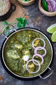 saag wala chicken or palak chicken