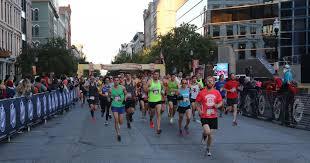 Great Pumpkin 10k Louisville by Urban Bourbon Half Marathon In Louisville At Downtown