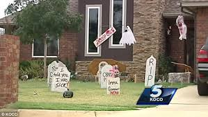 Halloween Tombstone Names Funny by President Barack Obama U0027s Name Is Written On Halloween Tombstone