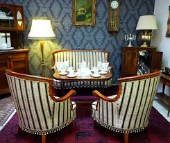 nostalgie antik original erhaltene antike möbel