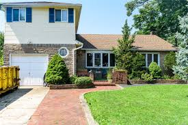 100 Houses For Sale Merrick 1688 Alexander Ave NY 11566 4