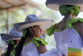 Parade Float Decorations In San Antonio by Fiesta San Antonio 2017 Mysanantonio Com Sa Express News San