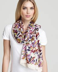 how to wear silk scarves in summer