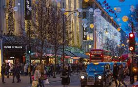 Blinking Christmas Tree Lights by Where To Spot Twinkling Christmas Lights Picniq Blog