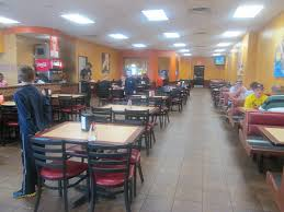 CiCis Pizza Interior