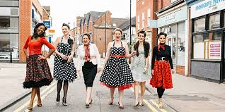 Vintage Hen House Girls Walking