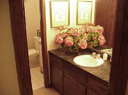 Small Guest Bathroom Decorating Ideas by Decorating Small Guest Bathrooms U2013 Home Design And Decorating