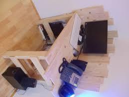 pic photo fabriquer un bureau avec des palettes pic de fabriquer