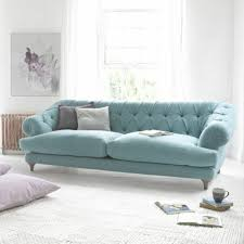 canap bleu clair le canapé capitonné en 40 photos pleines d idées