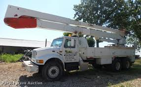 1998 International 4900 Bucket Truck | Item DB7458 | SOLD! A...