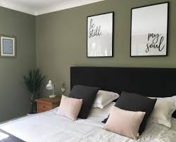 overtly olive in a bedroom masterbedroom schlafzimmer neu