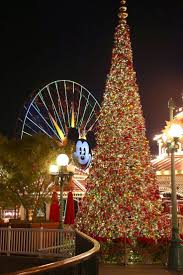 When Does Disneyland Remove Christmas Decorations by 17 Best Images About Disney Magic On Pinterest Disney Walt