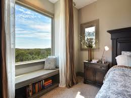 How To Find The Right Master Bedroom Window Treatment Decorating Idea With Cozy Bed