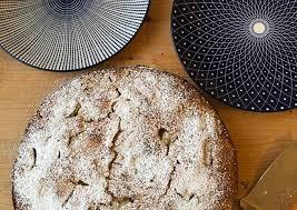 rezeptherstellung saftiger rhabarberkuchen mit weißer