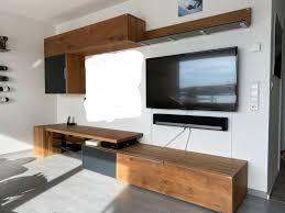 braunes voglauer v alpin wohnzimmer